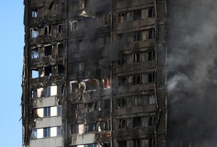 Elektrik yangını sonucu kullanılamaz hale gelmiş bir bina